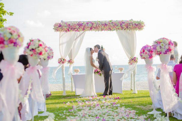 Organiser votre mariage sur la plage : 4 destinations de choix